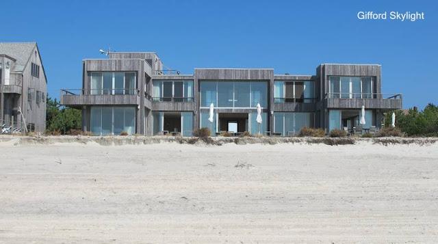 Casa de playa moderna de madera en Estados Unidos