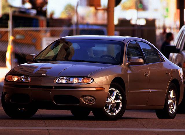 オールズモビル・オーロラ 第2世代 | Oldsmobile Aurora (2001-03)