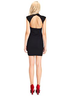 kısa siyah abiye modeli, arka görünüm, arkada derin bir sırt dekoltesi, seksi ve zarif bir görünüm isteyen hanımlar için oldukça uygun bir elbise