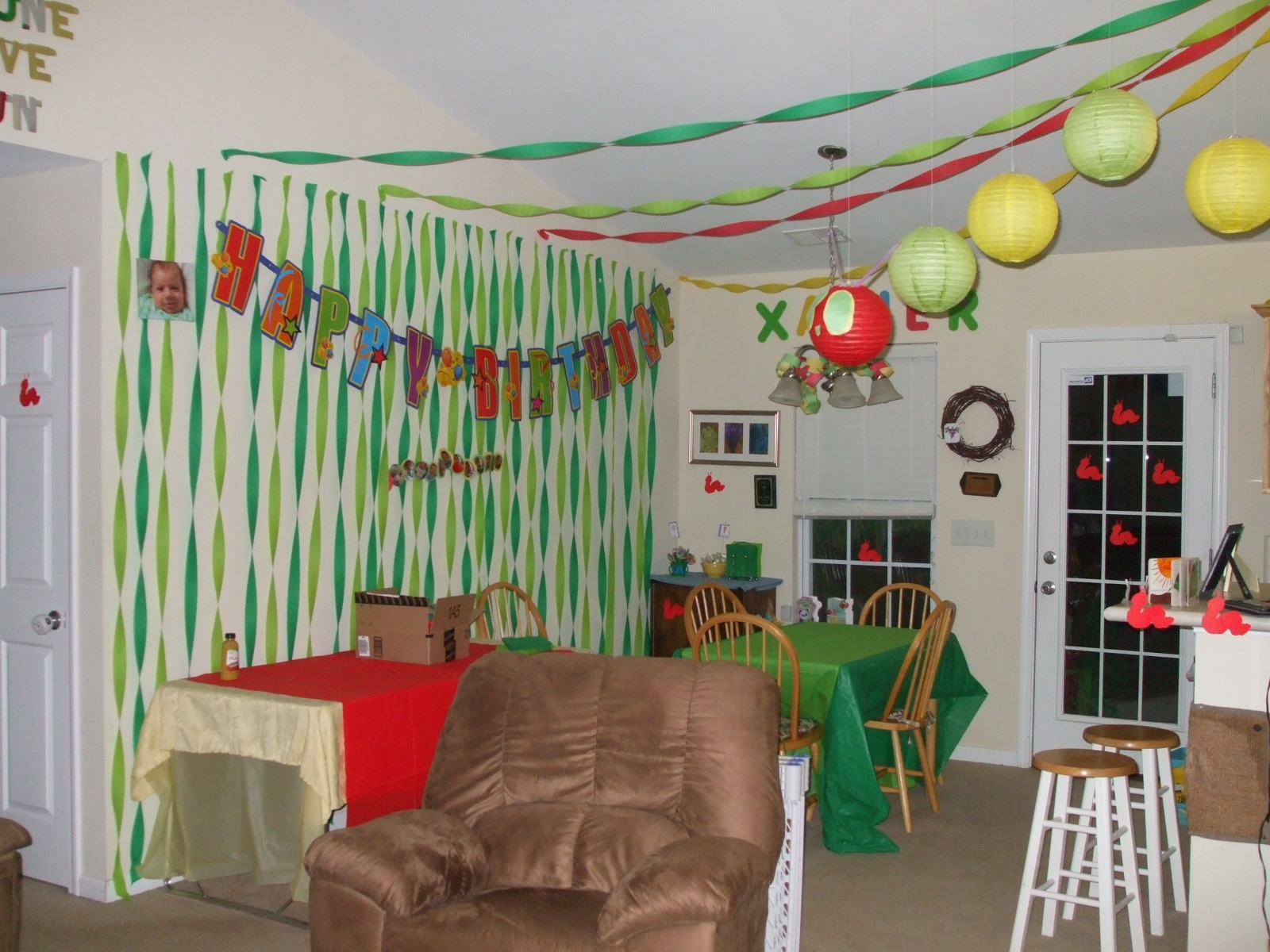 Next generation stay at home mom xavier 39 s first birthday for Home decorations for birthday party
