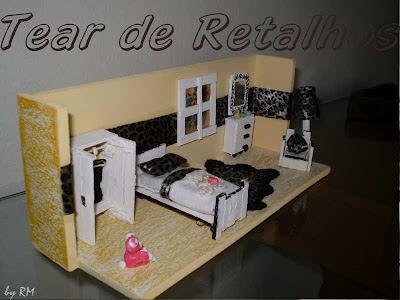 Vista lateral do quarto feminino em miniatura