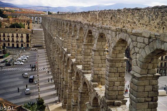 El acueducto de Segovia. Visitando Castilla y Leon
