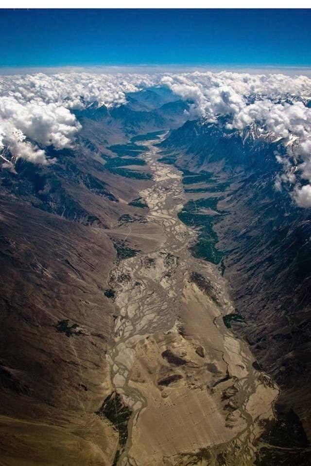 India and Pakistan Himalaya Border