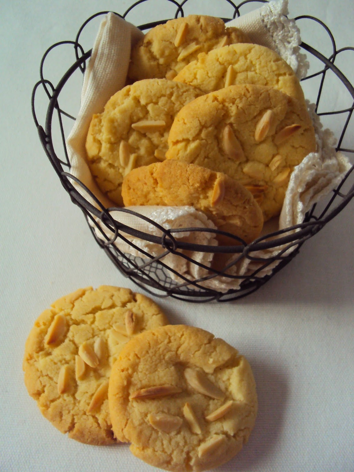 Dig In: almond crisp biscuits1200 x 1600 jpeg 238kB