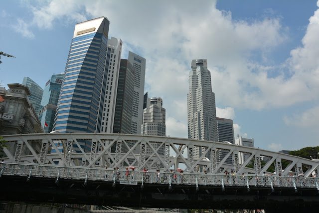 Singapore River Cruise bridge