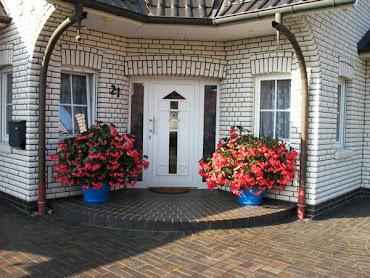 #2 Front Door Design Ideas