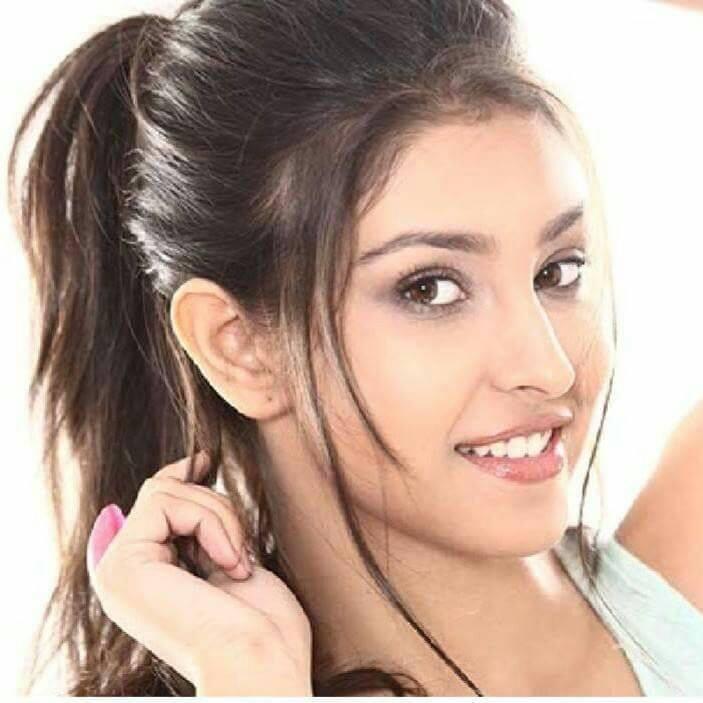 Navneet Kaur Dhillon Cute Image