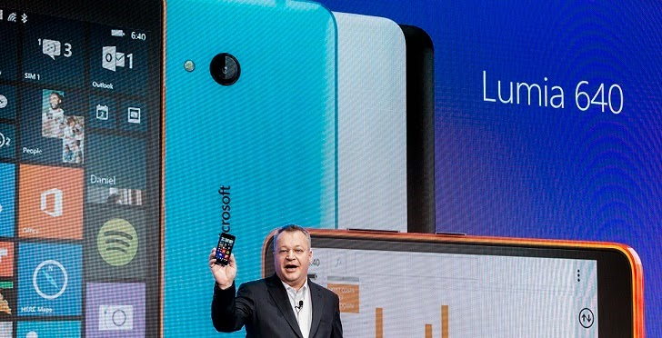Stephen Elop with Lumia 640