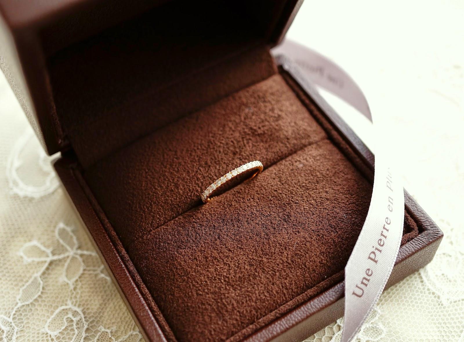 使わないブレスレットのダイヤモンドを使い娘へ渡すリングにリ・スタイル(リメイク)した。