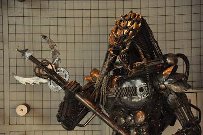 Rzeźba z Predatorem