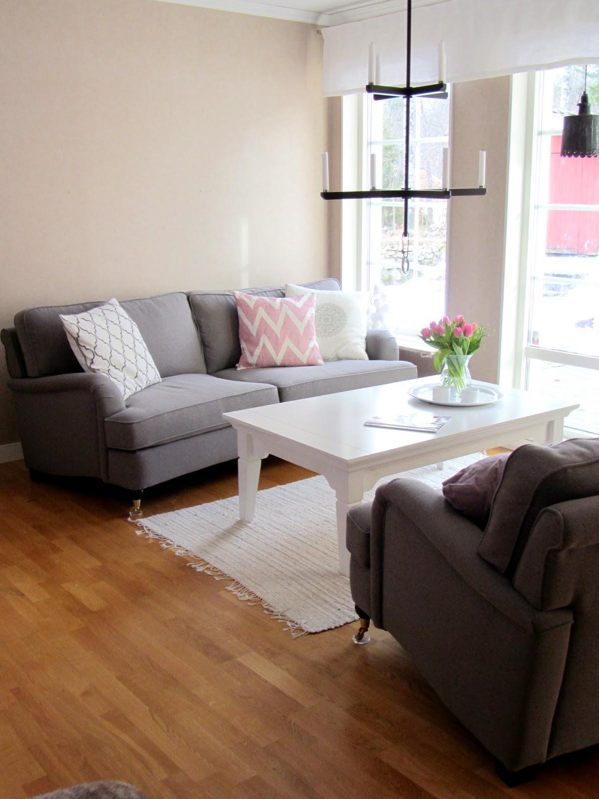Sofis husdrömmar: rosa i vårt vardagsrum.