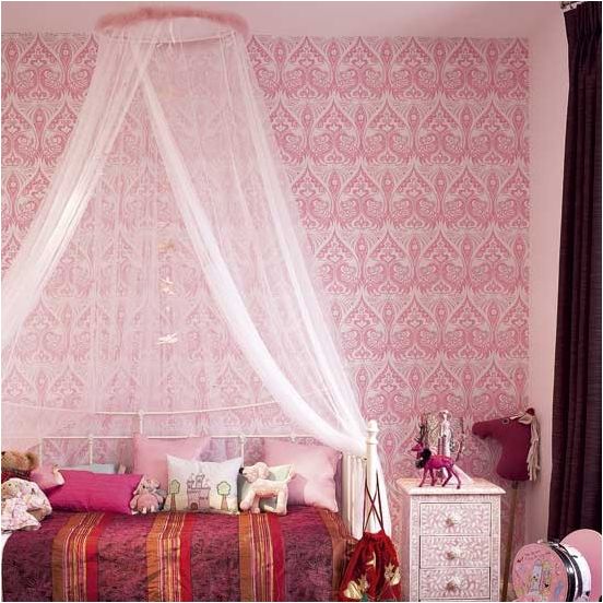 this is a true vintage style teen girls bedroom check out the old time easter shoes by the bed isnt that just a cute touch to the style - Teenage Bedroom Styles