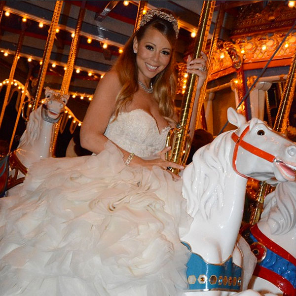 mariah carey and nick cannon renew vows in disneyland