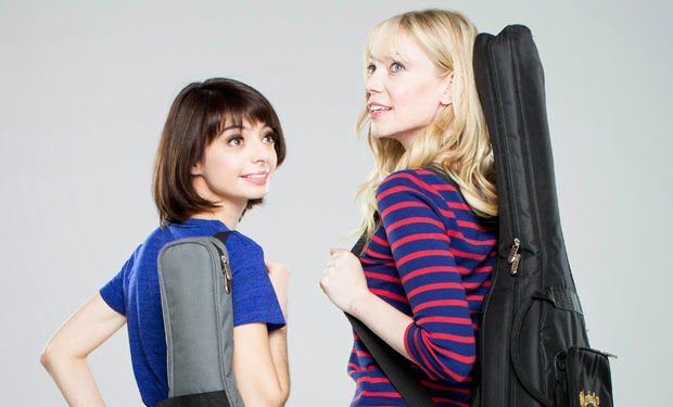 Garfunkel and Oates - Presentation and opening credits