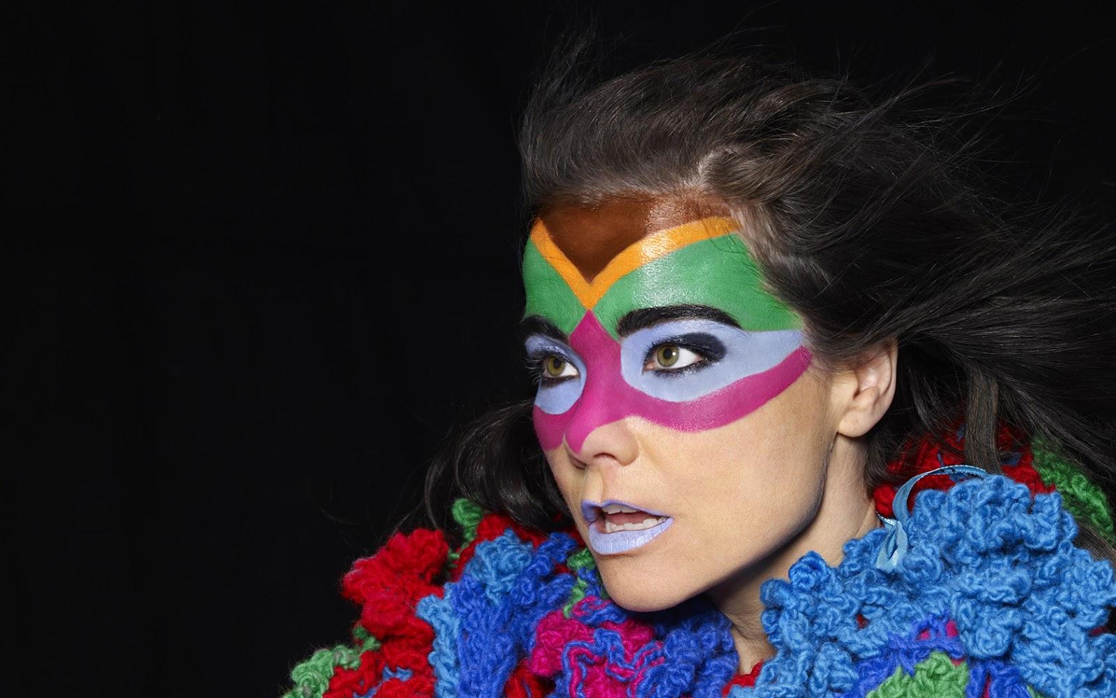 http://4.bp.blogspot.com/-ojLG-Wa_hbM/UIU533GJWAI/AAAAAAAAaPU/fJ0kZ6v7tvA/s1600/bjork-unique-makeup.jpg
