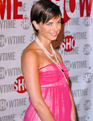 Mia Kirshner vestido fashion