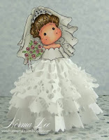 http://frommycraftroom.blogspot.ca/2013/12/christmas-angel-plus-bride-tutorial.html