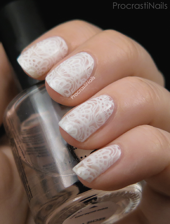 Delicate lace nail art stamping with the MoYou London Bridal 07 XL Plate