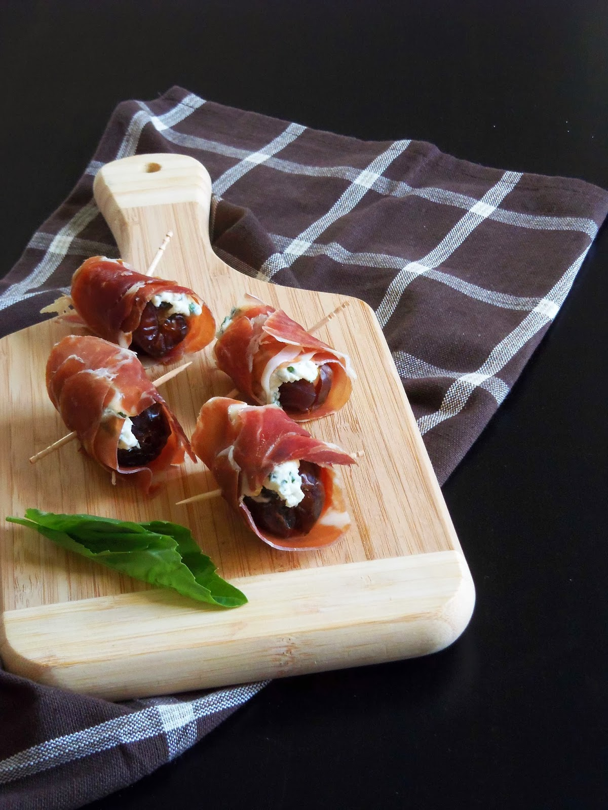 Prosciutto Filled With Happiness Recipe — Dishmaps