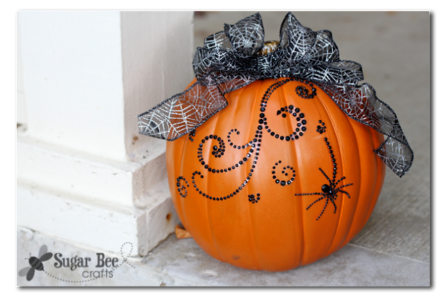 bling+pumpkin+easy+decor.png