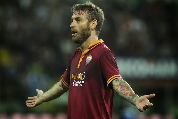 Daniele De Rossi was a target for Manchester United, but remains with AS Roma
