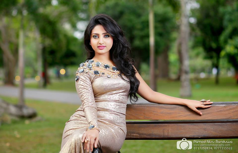 vinu udani siriwardana sri lanka hot picture gallery