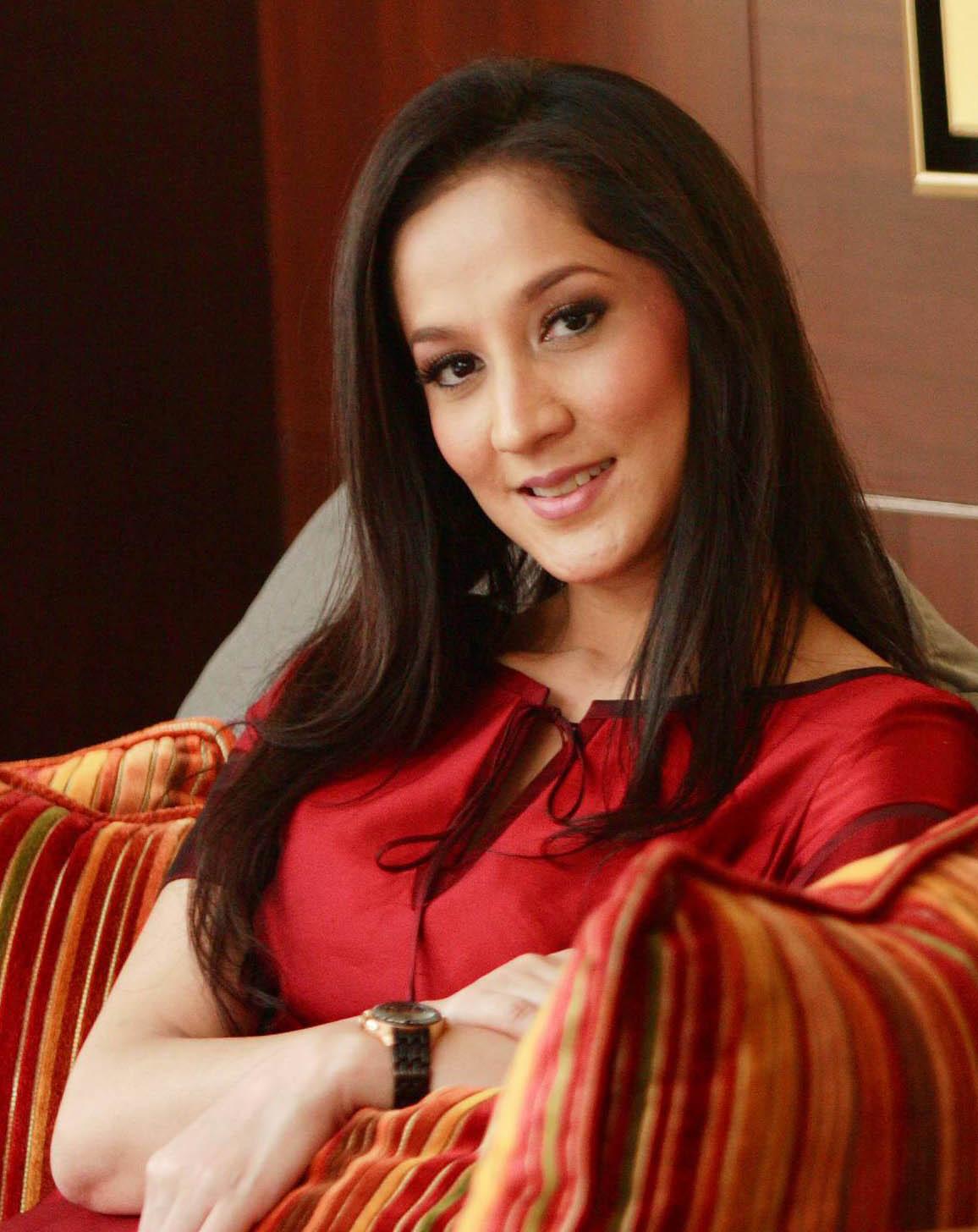 Enrina Diah - www.jurukunci.net