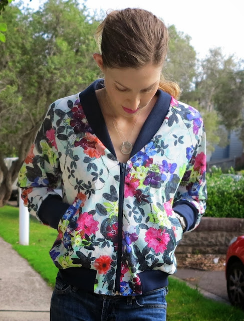 http://lilysageandco.blogspot.com/2014/01/the-rigel-floral-bomber.html