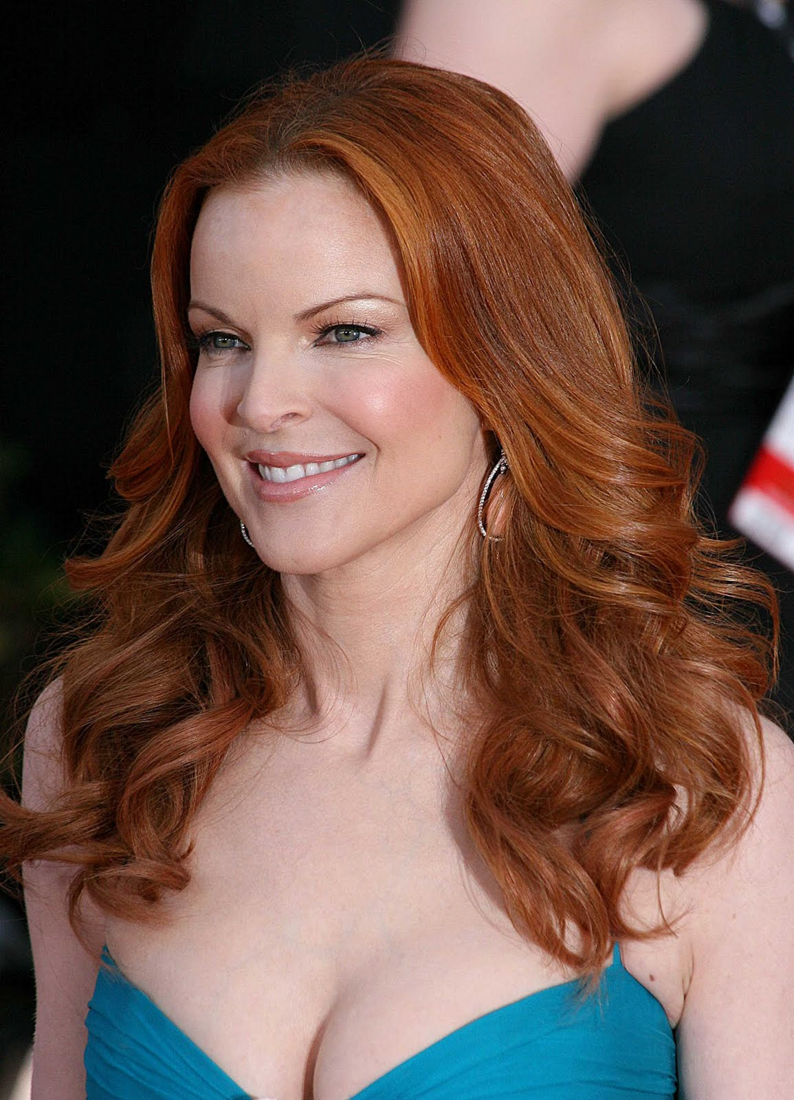 how tall is marcia cross