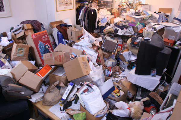 hoarding ocd behavior Hoarding is a behavior that is seen periodically in alzheimer's and other dementias, such as frontotemporal dementia, where individuals gather and stockpile things.
