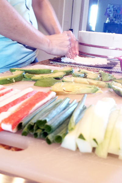 Making sushi : first timer figuring it out! http://kelleylynne.blogspot.com