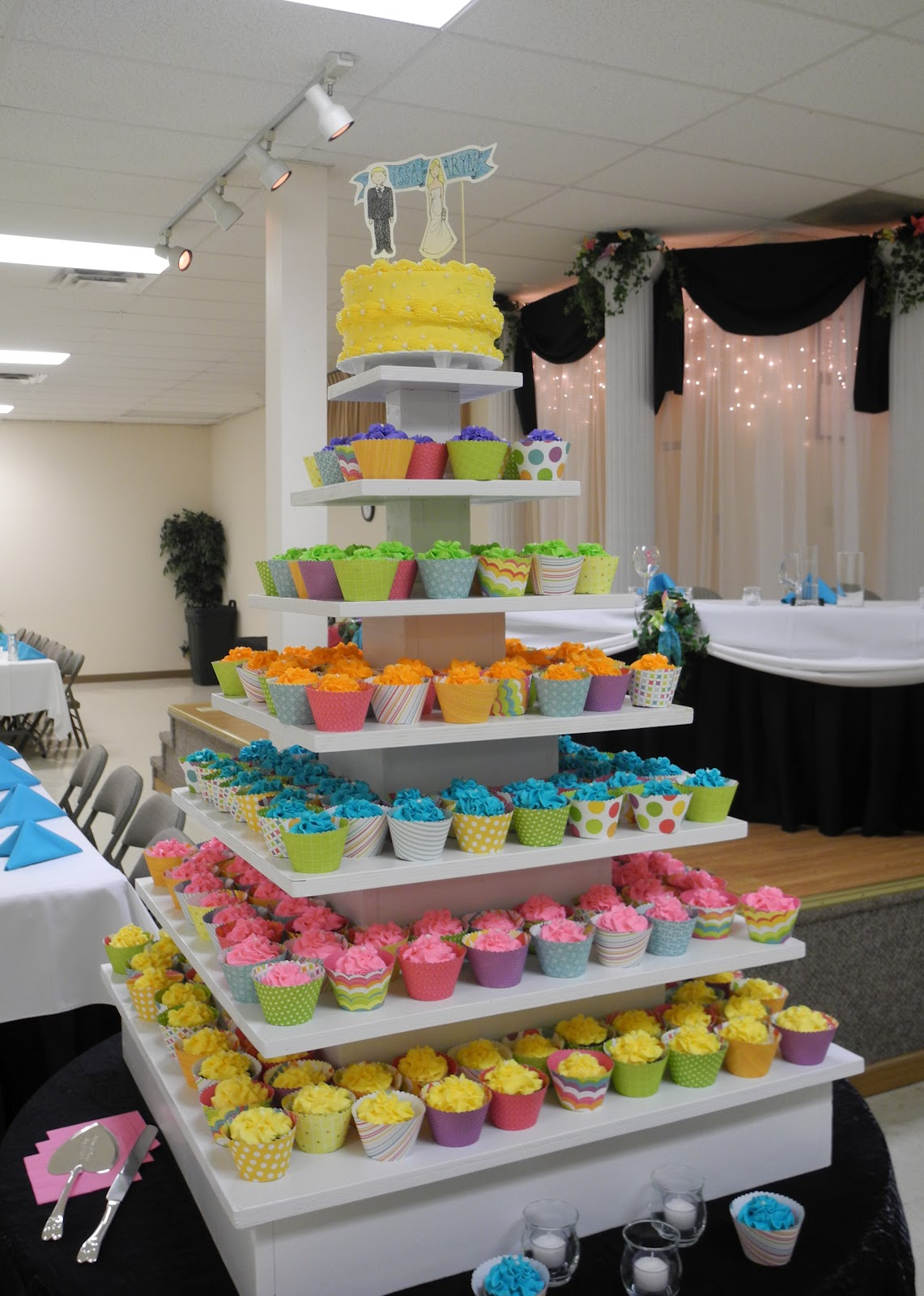 Rainbow Wedding Cakes 12 Marvelous RAINBOW CUPCAKES Enough said