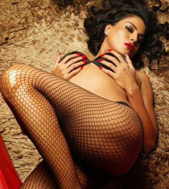 Veena Malik sexy pictures