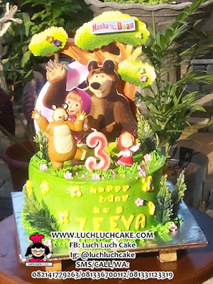 Kue Tart Masha and The Bear Cake