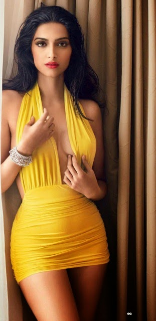 Sonam Kapoor Sexy Dress Wallpaper, Sonam Kapoor hot dress photos, Sonam Kapoor latest sexy look wallpaper, Sonam Kapoor new hot look pictures