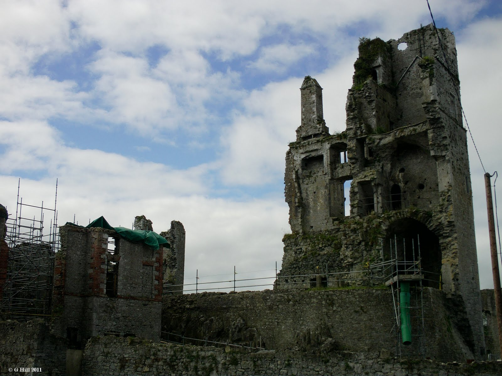 Ireland In Ruins: Aske...