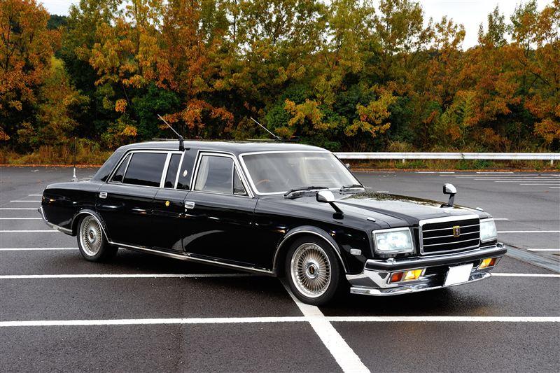 Toyota Century, luksusowa limuzyna, klasa premium, najwyższa jakość, samochód rządowy, japońskie auta, ciekawe, JDM