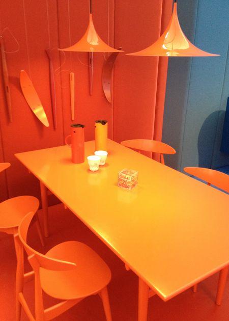 die wohngalerie d nisches design setzt auf farbe beim. Black Bedroom Furniture Sets. Home Design Ideas