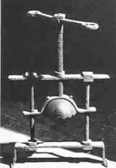 Esmagador de Cabeça,  tortura, blog mortalha