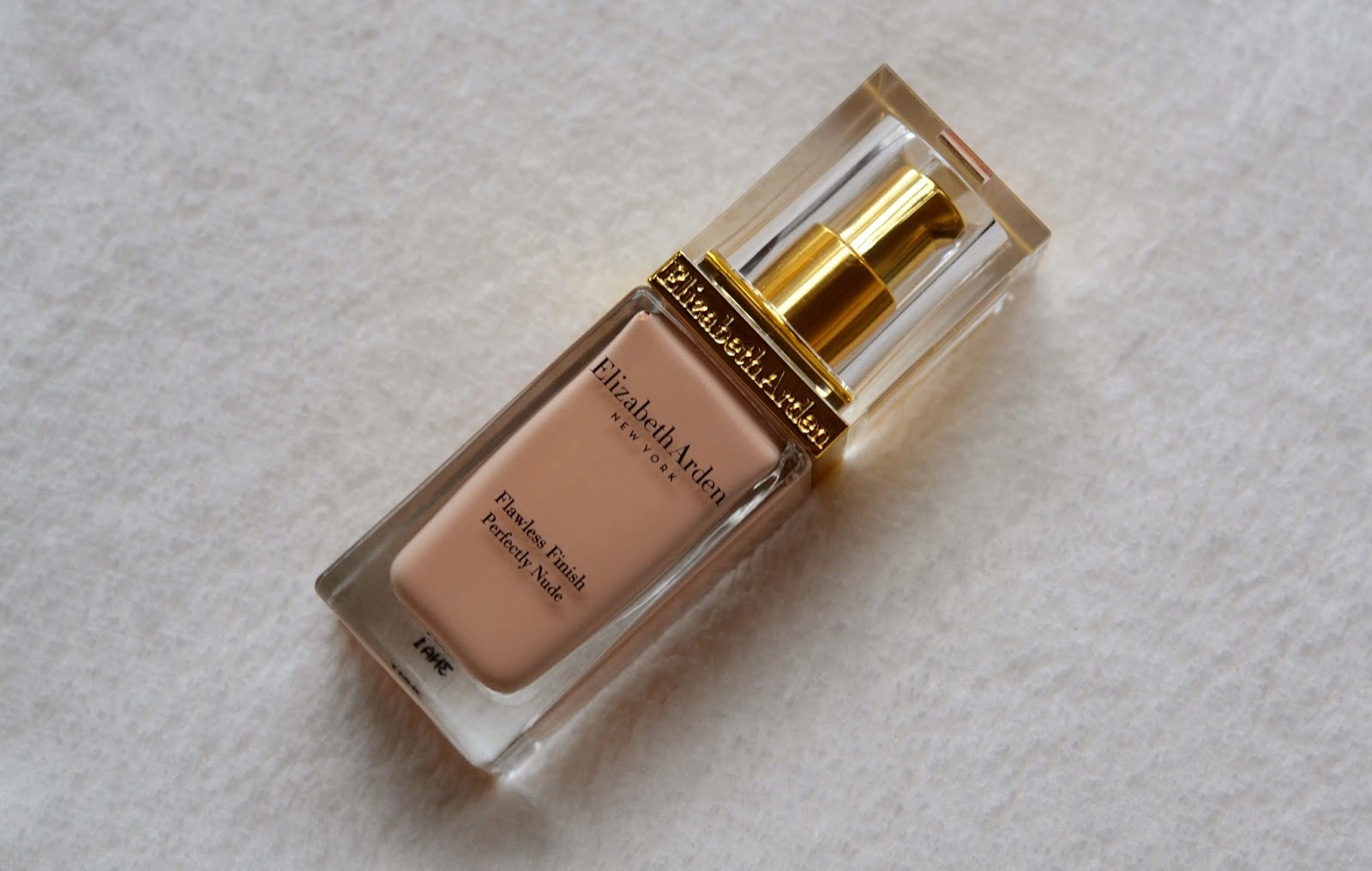 how to use elizabeth arden flawless finish mousse makeup