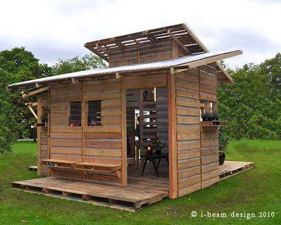 Σπίτια και αποθήκες από παλέτες