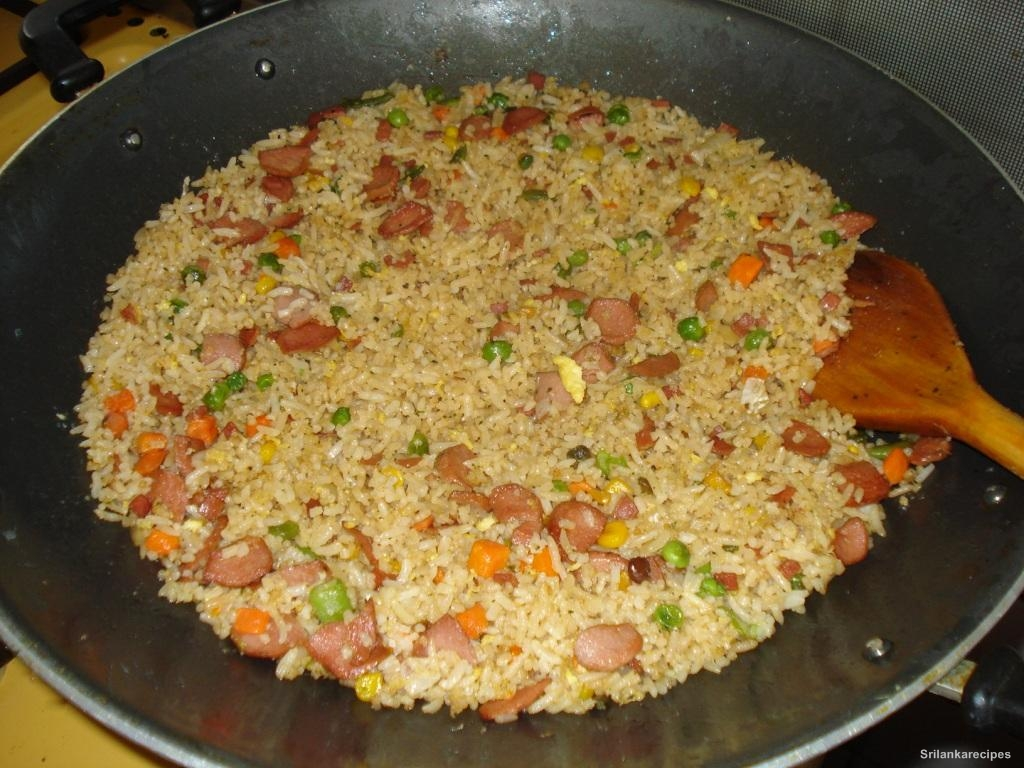 Srilankanrecipes: Filipino Fried Rice