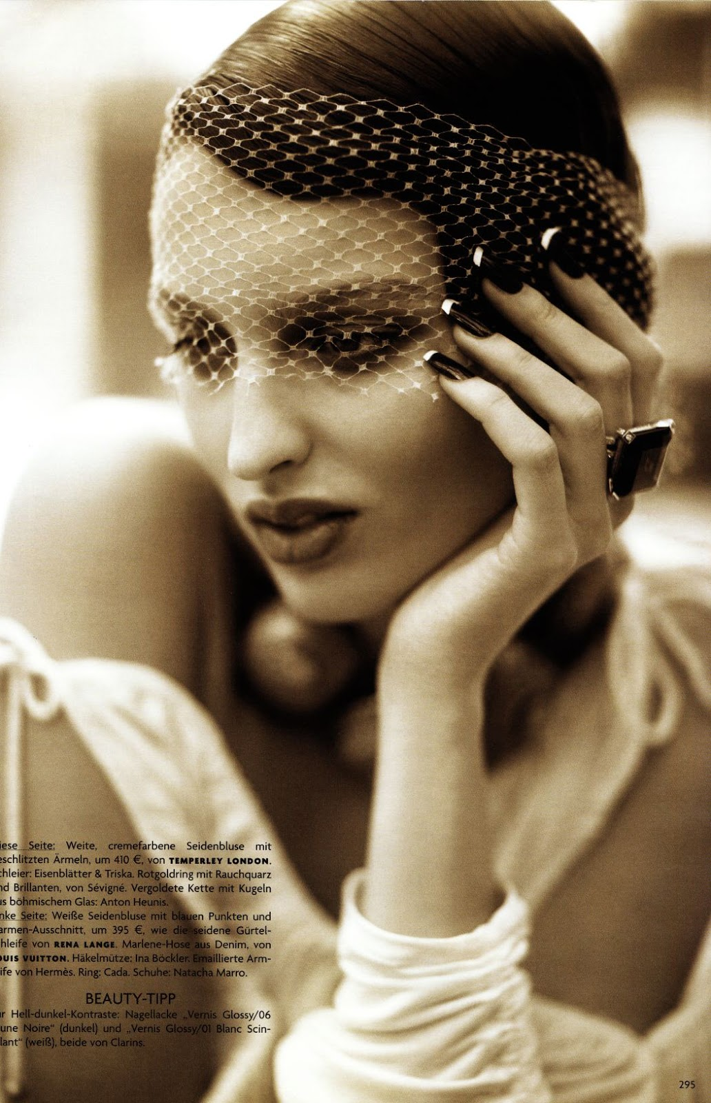 Georgina Stojiljkovic in Miami revue / Vogue Germany March 2006 (photography: Alexi Lubomirski, styling: Christiane Arp) via fashioned by love british fashion blog