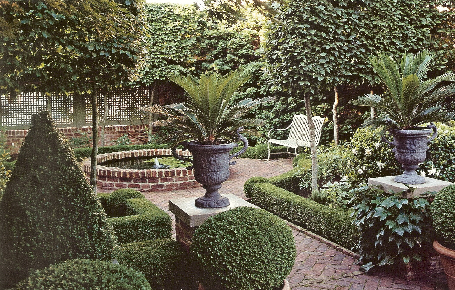 Italian courtyard garden design ideas joy studio design for Italian garden design