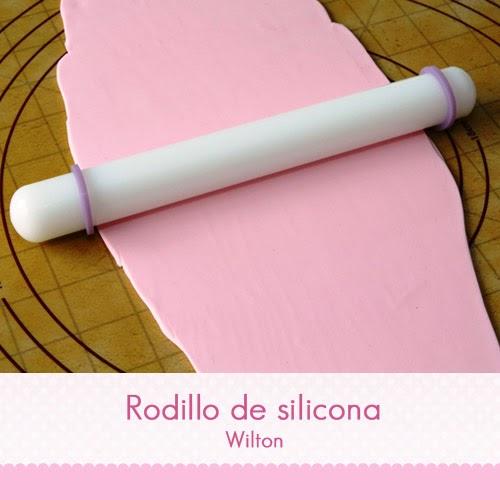 http://reposteria-creativa-online.es/rodillos-estecas-alisadores-y-bases-de-trabajo/25-rodillo-silicona-wilton-22cm-anillos-niveladores.html