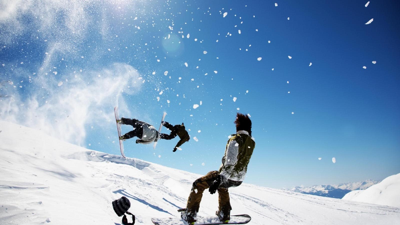 http://4.bp.blogspot.com/-on9izVDDg-Y/Tw0pOjhimLI/AAAAAAAABUI/hQ3zoKcWsGw/s1600/Snowboarding+Wallpaper+7.jpg