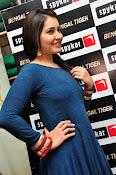 rashi khanna new sizzling pics-thumbnail-9