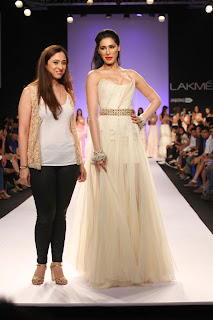 Model Actress Nargis Fakhri Pictures at Lakme Fashion Week (LFW) 2014  9
