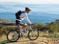 Bersepeda Olahraga Efektif, Mudah dan Menyenangkan Untuk Membakar Kalori (+- 950 Per Jam)