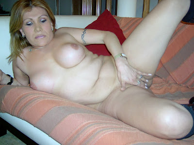 ebony dickgirl nude